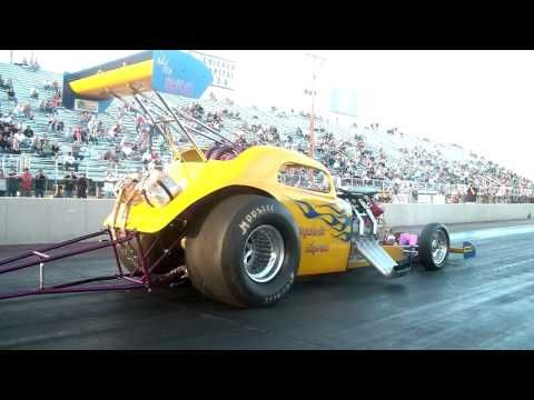 2013 Cavalcade of Funny Cars Q1 Maple Grove Raceway Nostalgia Drag Racing Videos - YouTube