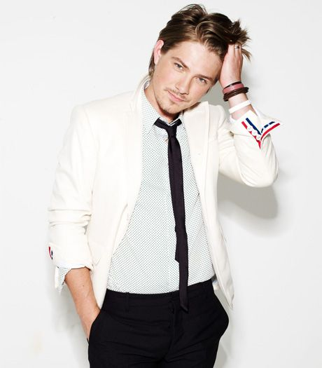Laugh at me all you want... but I always knew that Taylor Hanson would turn out to be a hot dude.