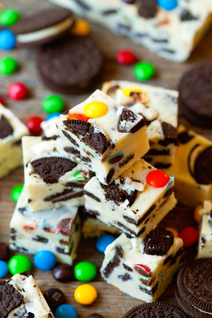 Loaded M&M Oreo White Chocolate Fudge