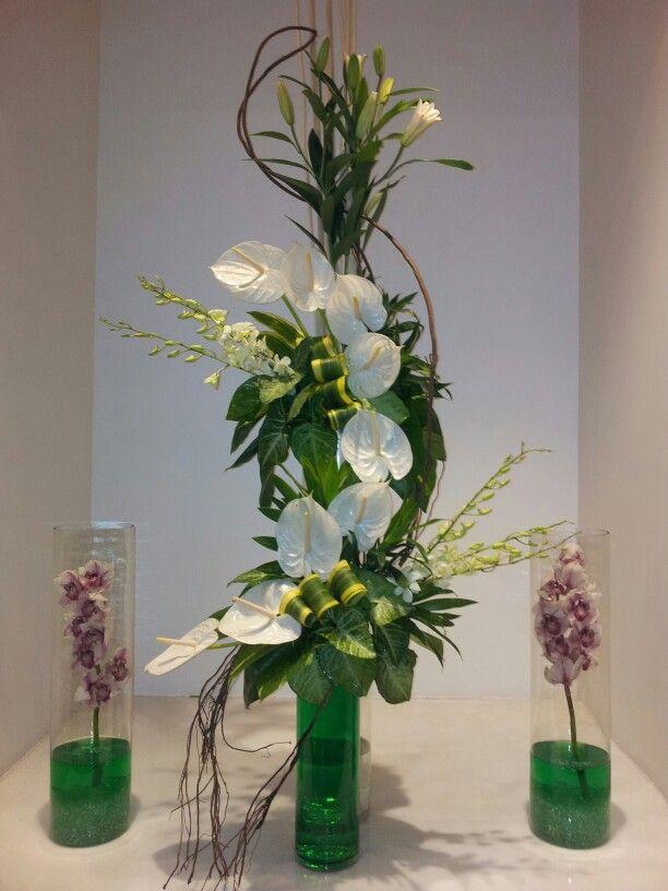 An elegant display. For more go to www.spring-blossoms.com