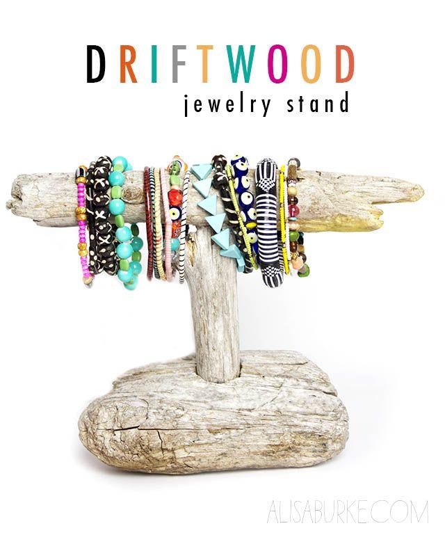 Porte bijoux en bois flotté