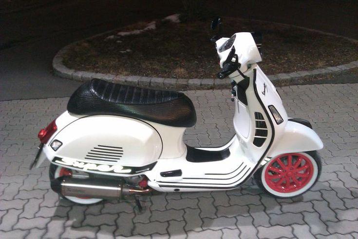 meine beiden GTS 300 - Bilder- und Videogalerie - Vespa-Forum.at