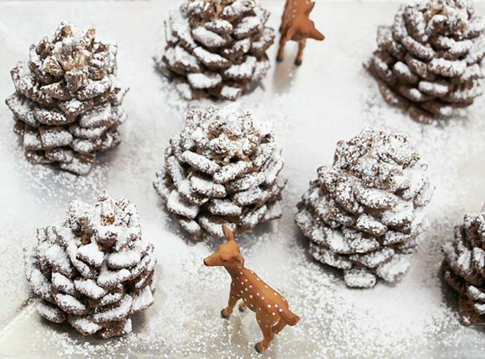 Verras je gasten of familie met deze superlekkere dennenappels gemaakt van chocolade! Eenvoudig maar erg leuk! - Zelfmaak ideetjes