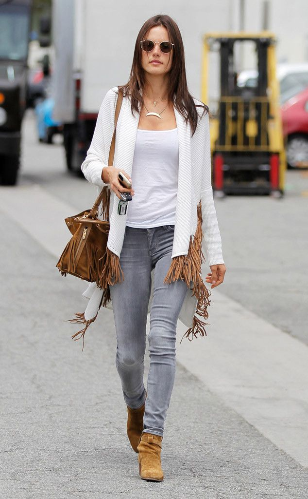 1000 Ideas About Celebrity Street Styles On Pinterest Street Styles Modest Outfits And