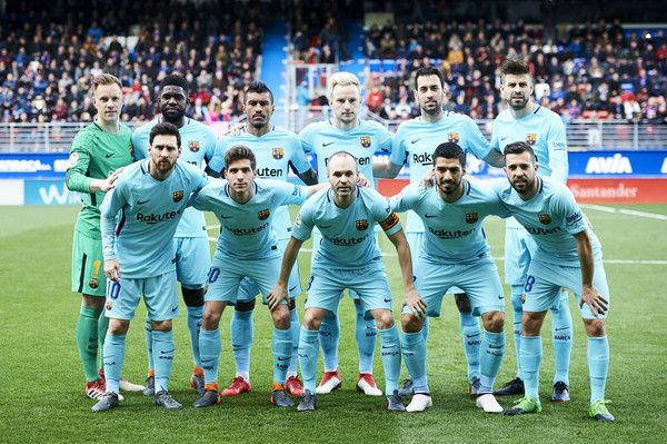 FC Barcelona players line up for a team photo prior to the start of the La Liga match between SD Eibar and FC Barcelona at Ipurua Municipal Stadium on February 17, 2018 in Eibar, Spain. - 63 of 87