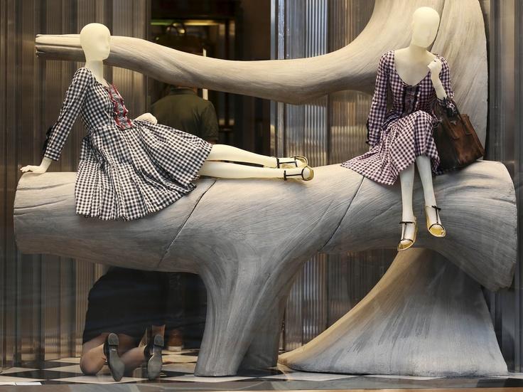 Decoración de vitrina en Milán, Italia.