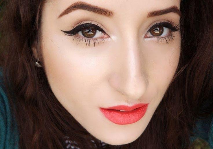 Tips: Cum aplicam tusul gel ( Review Make-up Studio Eyeliner Gel) - Alex Make-up