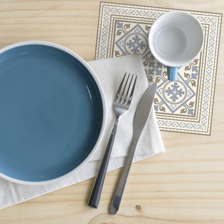 Condimenta tu mesa con nuestros Posavasos. ·Modelo Clásico Posavaso Rumi·  #adamaalma #posavasos #coaster #vinilo #design #baldosas #baldosashidráulicas #decor #decoración #mesa #table