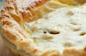 Puff pastry minced beef pie