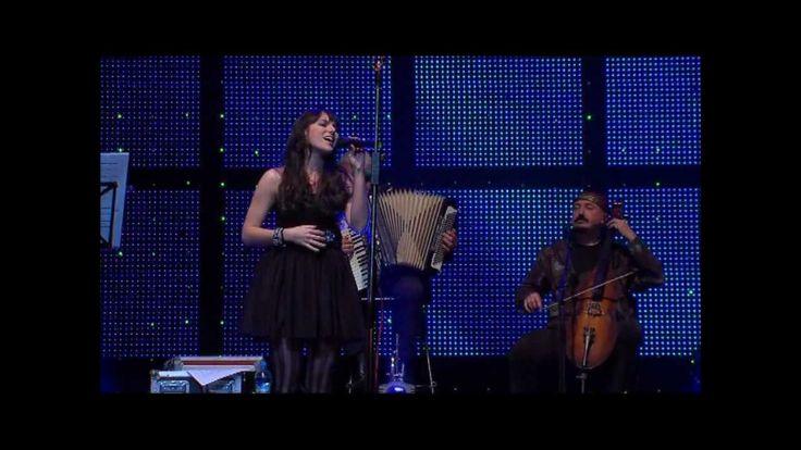 Ewa Farna + Čechomor - Dej Pan Bóg - Národní Divadlo Prague 2010