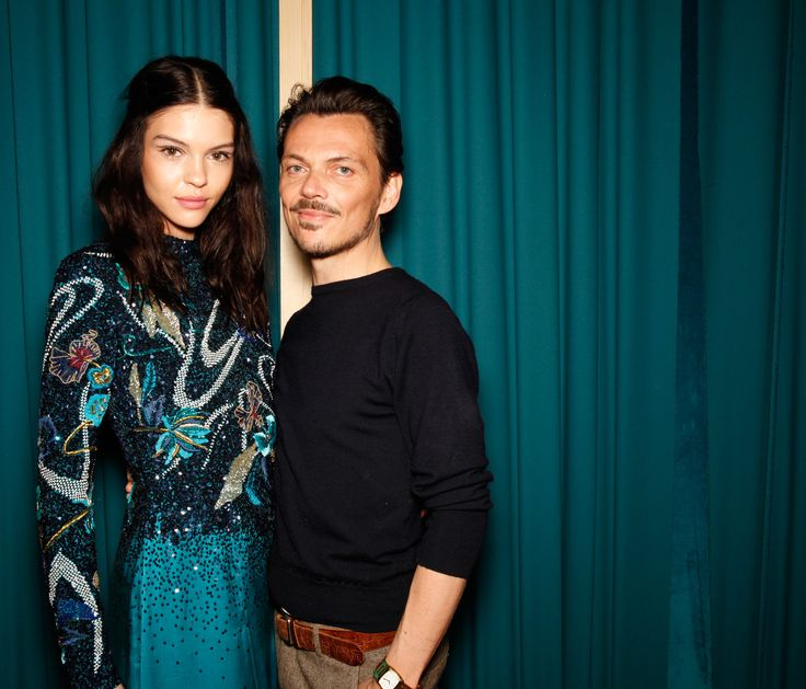 Matthew Williamson backstage with AW15 model during London Fashion Week | Beauty by @benefituk #LFW