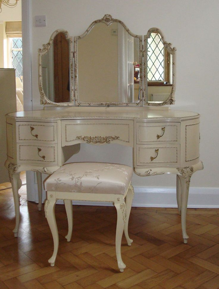 Stunning Larger Style French Louis Kidney Shaped Dressing Table By Olympus Classic Vanity