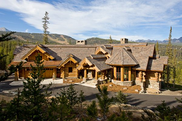 Big sky montana log home retreat spanish peaks mountain for Large luxury log homes