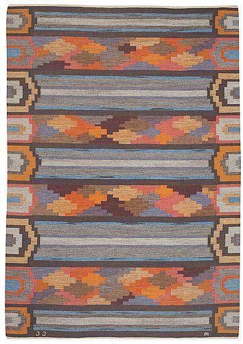 """Quilt design MATTA. """"Timmerstockar"""". Flat weave (rölakan). 244,5 x 169 cm. Signed JJ M (Judith Johansson). (d)"""