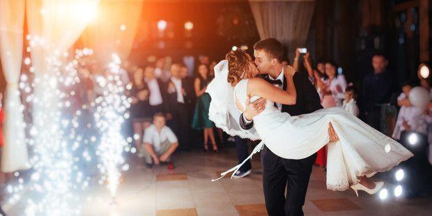 En toda cultura ha existido todo tipo de unión: matrimoniales y no matrimoniales, pero siempre en toda cultura y en todo tiempo lo que se ha festejado es el matrimonio. Aún hoy no se festeja el irs…