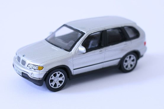 1:64 scale BMW X5 (Silver) – by Schuco