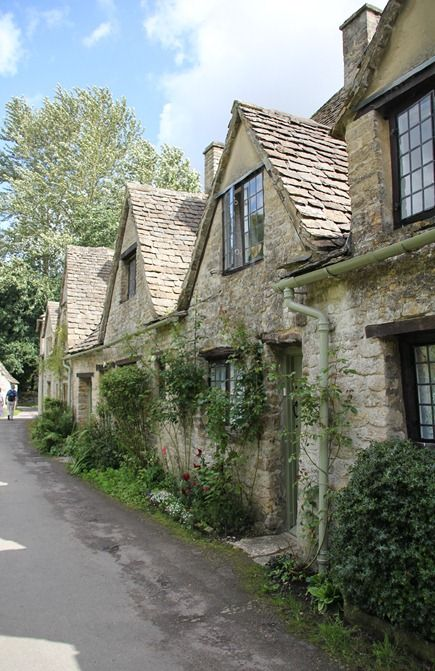 Arlington Rowe in Bibury, England - stone buildings