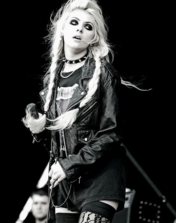 The Pretty Reckless vocalist.  I remember when she played Cindy Loo Hoo in The Grinch. :)