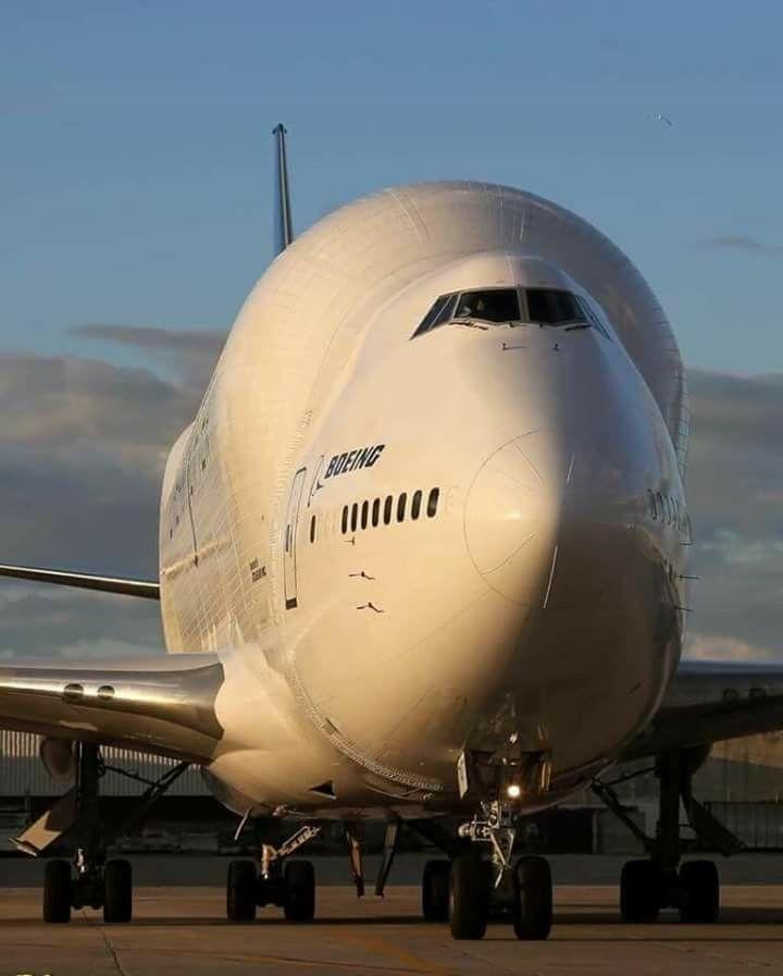Boeing Dreamlifter.