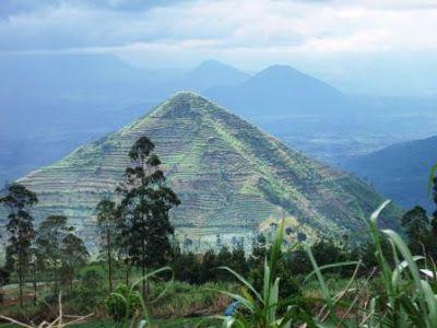 Atlantis Lemuria Indonesia: Inilah Piramida Raksasa di dalam Bukit di Garut Jabar