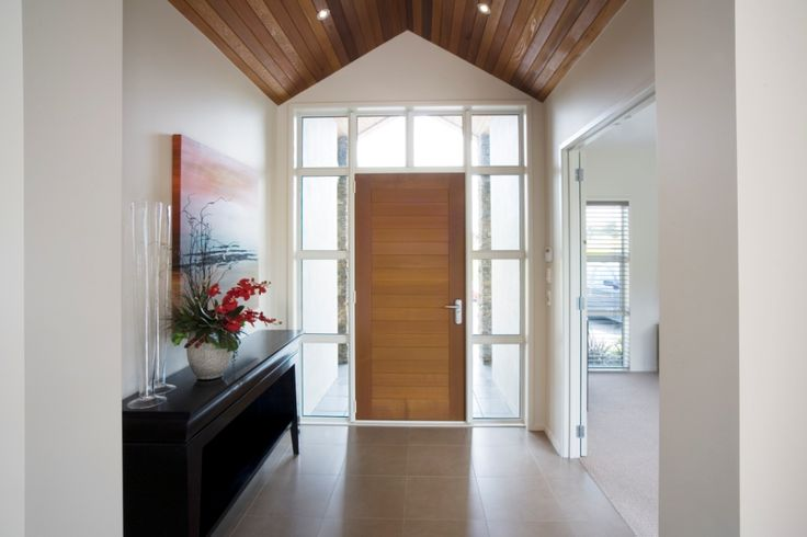Wood detailing makes a beautiful feature in the entrance way of this G.J.Gardner home.