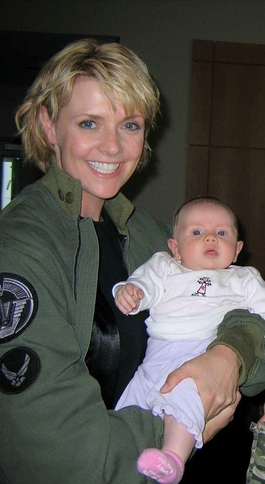 Amanda Tapping - I love, love, love, lovvvvvvvvvvve her smile <3