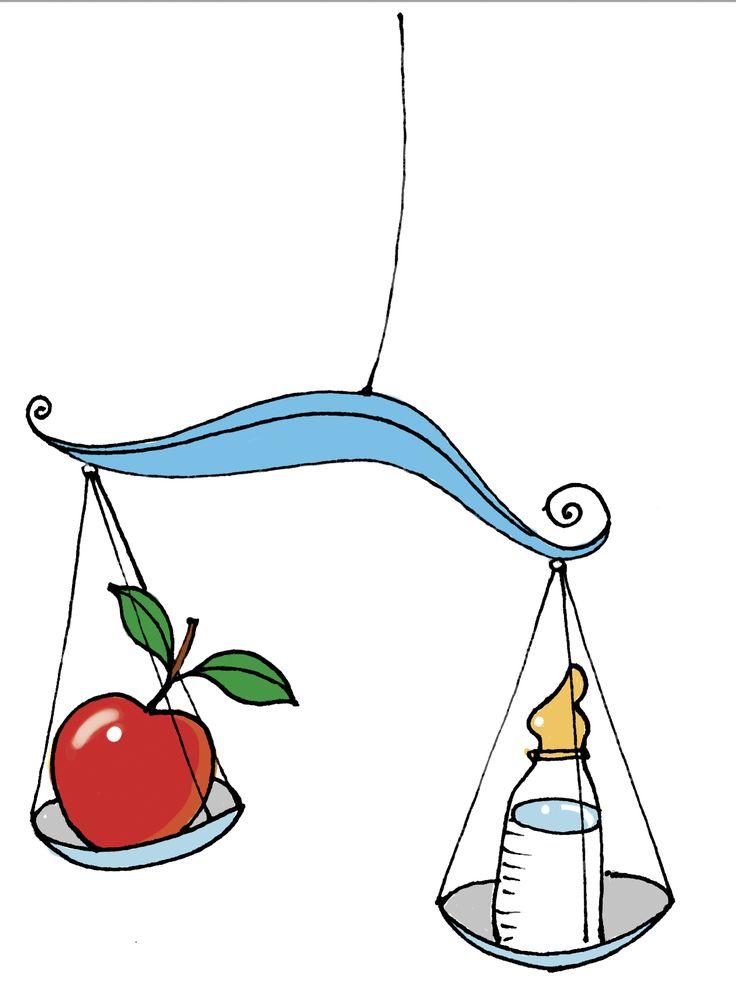 Gesunde Ernährung für Babys, Waage mit Fläschchen und Apfel