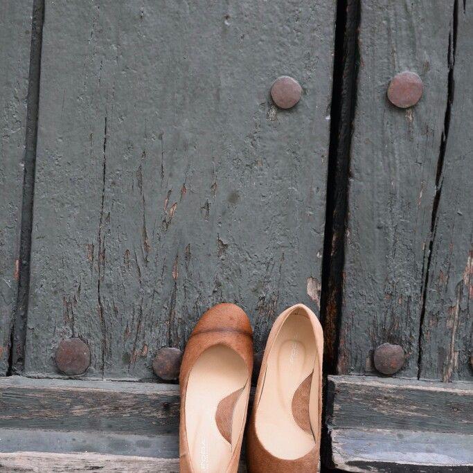 Baletas en piel de Becerro.  Muy suaves y cómodas. Whatsapp 3208057980. #baletas, #ballerines, #balerinas #Flats, #womanshoes, #moda, #Fashion, #zapatosmujer, #trendy, #zapatos, #shoes, #cuero, #leather, #glam, #chic, #comfortable, #balletflats, #zapatosdecolombia, #madeincolombia, #footwear