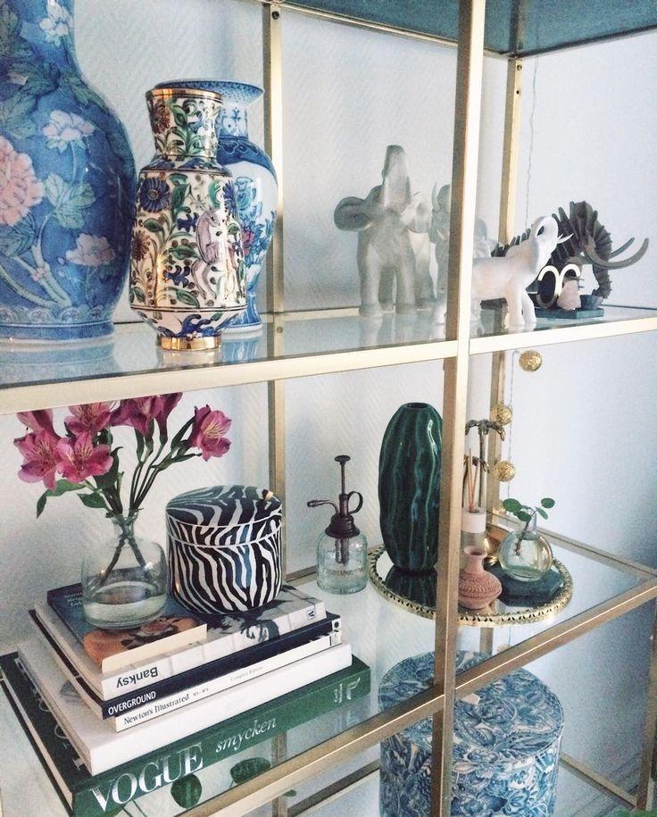 ny hylla på plats! #stuff #hoarder #ikea #vittsjö #home #myhome #interior #design #interiordesign #moreismore #tropical #safari
