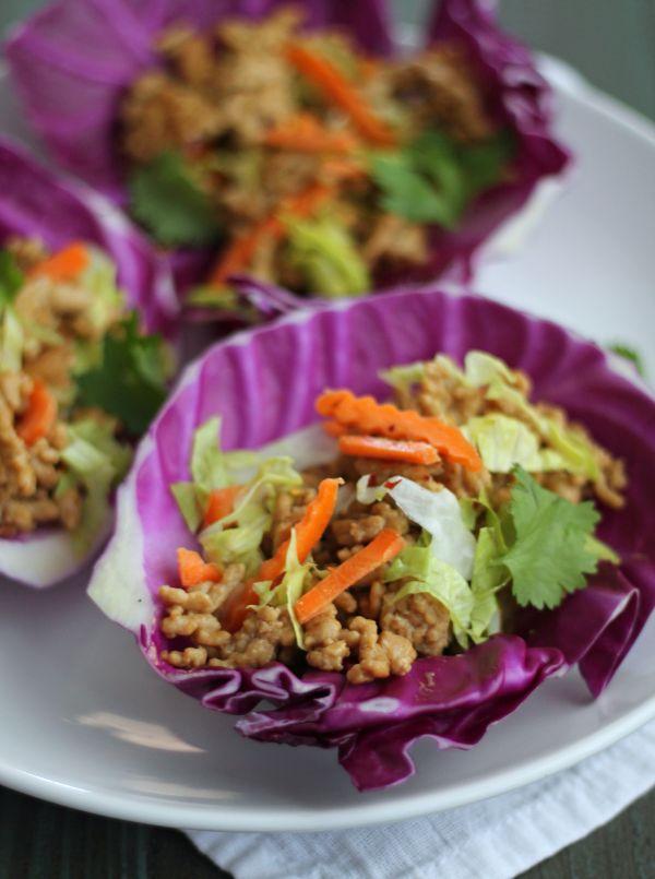 Thai Turkey Tacos with Peanut Sauce - get your Thai and Taco fix with less carbs/calories! casadecrews.com
