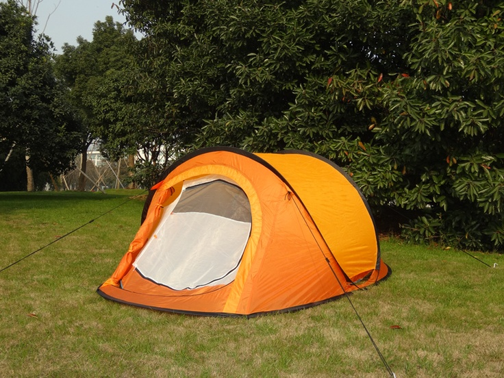 Double layers pop up tent, with two doors, sleep 2 person, easy to set up and fold up. Size in 245x145x95cm, flysheet 190T polyester with pu coating, hydrostatics head 1000mm. Fibre glass pole frame, b3 no-see-mesh screen. Light weight and ideal for festival camping.