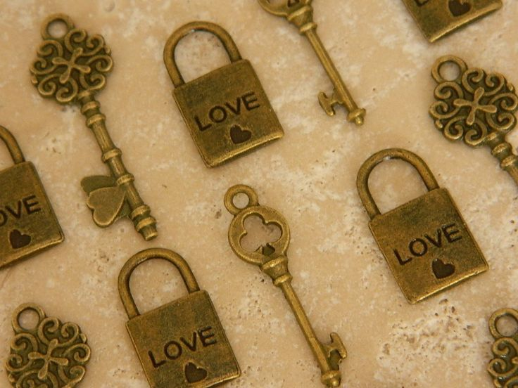 set of 48 pcs antique lock and key 16 bronze by GlowberryCreations, $13.99