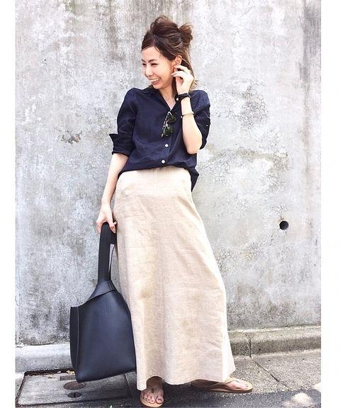 肌なじみのいいサンドベージュと、リネンならではのリラックスした雰囲気を醸し出してくれるスカートは、脚さばきを良くしてくれる程よいフレアが、今履きたい気分にぴったり! ーーーーーーーーーーーーーーーーーーーーーーーーーーーーーーーーーーーーーーーーーーーーーーーーーー 商品番号:17060570001610 カラー:ベージュ サイズ:36、38 価格:¥58,000+tax L'Appartement店舗:販売中 ベイクルーズストア:5/2(火)~販売予定 ーーーーーーーーーーーーーーーーーーーーーーーーーーーーーーーーーーーーーーーーーーーーーー...