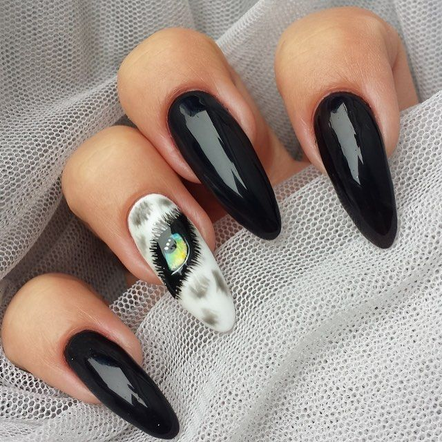 We've got an #eyeonyou. Featured #nail art by #nailartist @ladybird_beauty uploaded to Nailstyle.com.