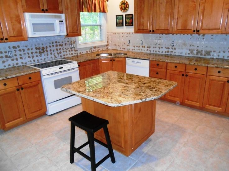 80 Best Images About Granite Medium Colored Wood Cabinets On Pinterest Travertine Tile Design