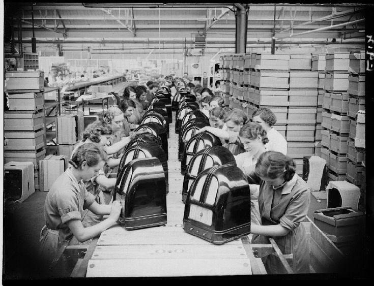 Women assembling radios for Philco on the factory line in Perivale, Middlesex (August 1936)