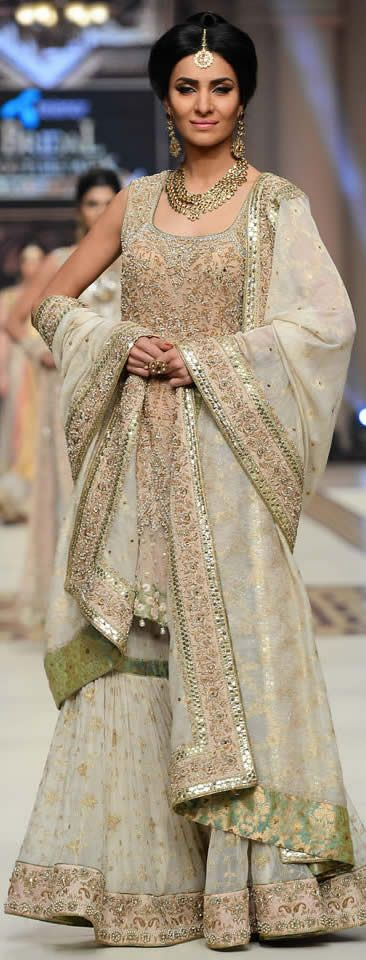 Runway ( FaShiOn PaKiStAn ) #AishaImran Telenor #BridalCoutureWeek 2014