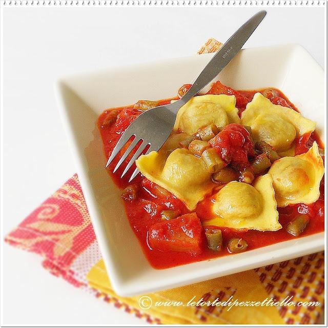http://www.letortedipezzettiello.com/2012/08/ravioli-patate-fagiolini-al-sugo.html