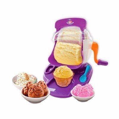 Kids Chef Sorveteria - Fábrica de Sorvete Multikids Br364 Fazer sorvete agora é fácil com Kids Chef Sorveteria! Basta acrescentar gelo, os ingredientes, girar a manivela e em alguns instantes está pronto! São várias receitas para deixar o di...