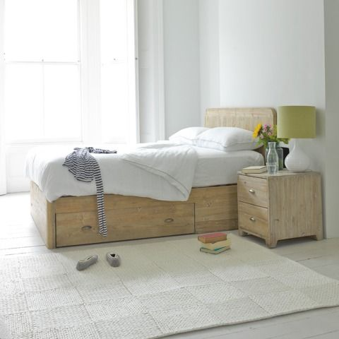 WOODY BED: We're proud to big up this beautiful storage bed. How many others out there can claim to be the result of hours of sifting through beautiful reclaimed fir to get just the right look? That's what we do. And we love it. #wood #bed #reclaimed