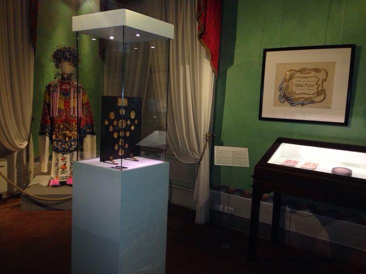 PUCCINI by CRONENBERG M Butterfly - puoi ammirare il costume originale e altri oggetti di scena del film presso il Puccini Museum fino al 3 maggio 2015 Per info: www.puccinimuseum.org