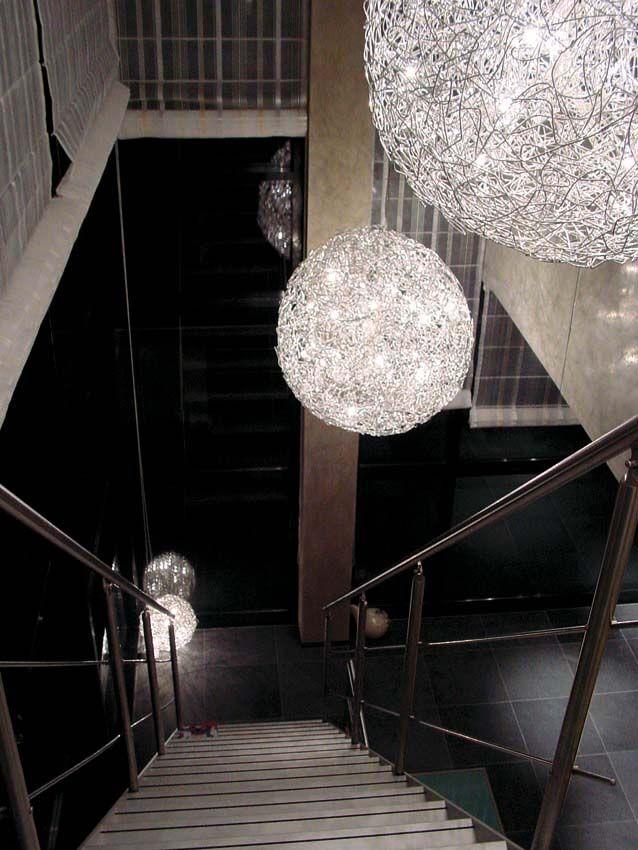 Hanglamp van gevlochten aluminium! Benieuwd geworden?
