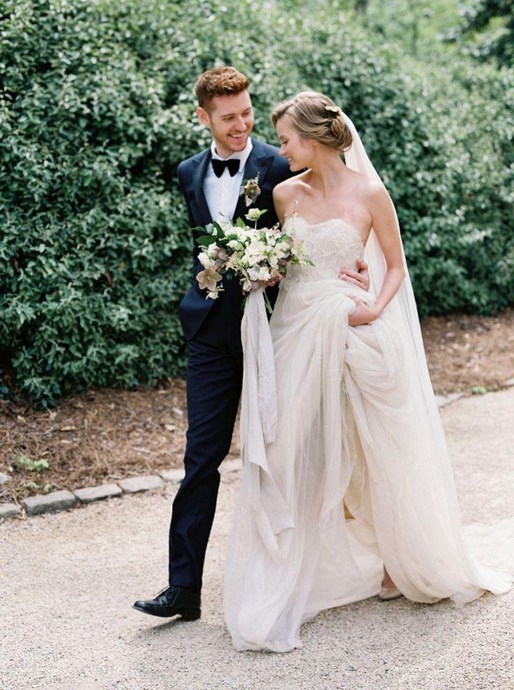Elegant timeless weddings | Lacy Geary | Wedding Planner and Stylist | Wedding Sparrow | Fine Art Curation