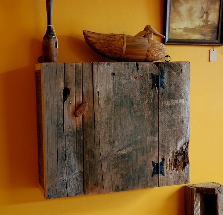 les 14 meilleures images du tableau le bon coin armoire toilette sur pinterest ameublement. Black Bedroom Furniture Sets. Home Design Ideas