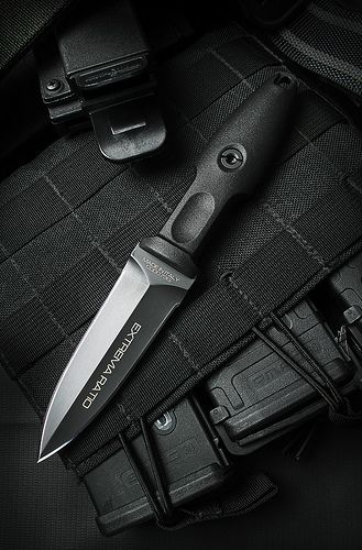 EXTREMA RATIO Pugio Boot Dagger Perfect for an arm or leg knife with Extrema quality.