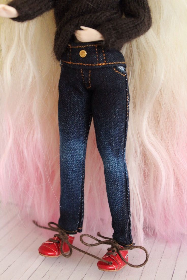 A personal favorite from my Etsy shop https://www.etsy.com/es/listing/221312866/jeans-para-dal-o-pullip
