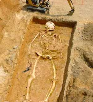giants of the bible | Real Giant Skeletons Found