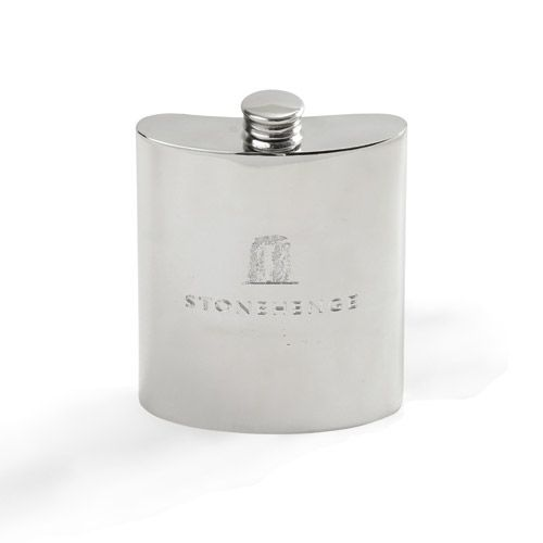 Beautifully crafted in pewter, this traditional hip flask is a wonderful tribute to Stonehenges awe-inspiring stones.