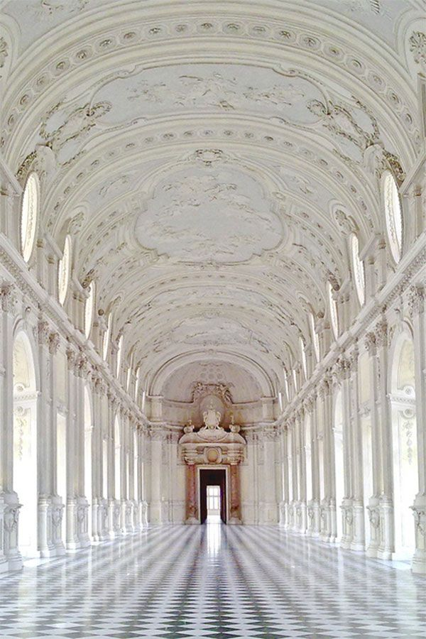 THE PALACE OF VENARIA, TURIN ITALY