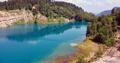 PERGIPEDIA  - Danau Biru Tomosu, Wisata Baru Yang Indah Di Sumatera Barat . Selain menyimpan wisa...